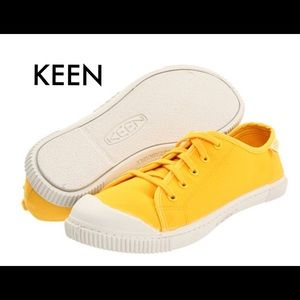 Keen Sneakers Worn one time EUC Size 8